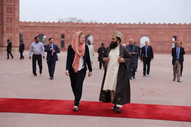 Home Secretary Amber Rudd and Maulana Syed Muhammad Abdul Khabir Azad, the Grand Imam of Badshahi Mosque